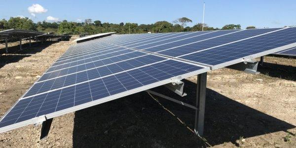 FUNDACIÓN TRENCO DONA UN SISTEMA DE ENERGÍA SOLAR AL BIOMUSEO.
